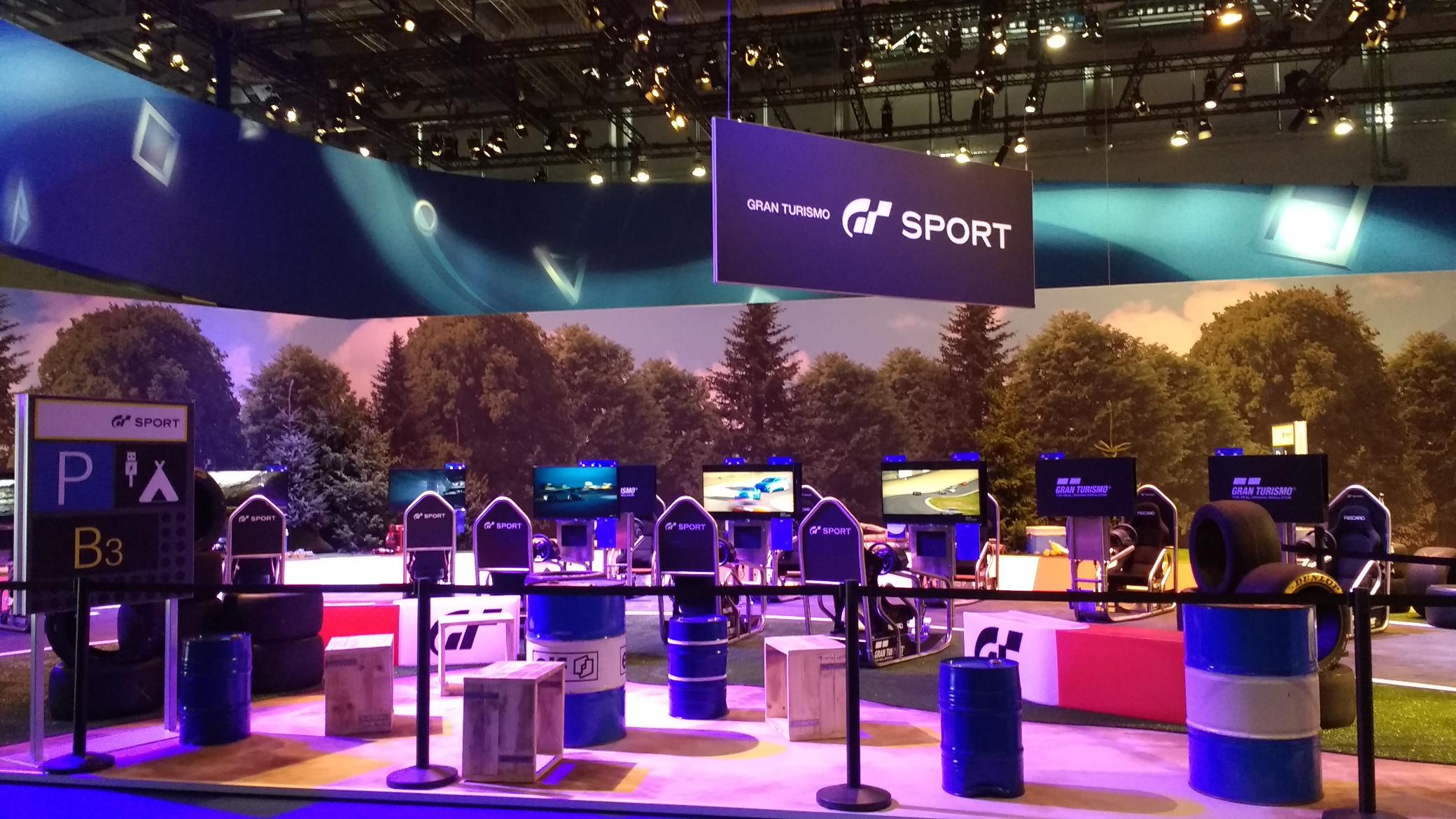 Stand von Sony Interactive mit Gran Turismo Sport