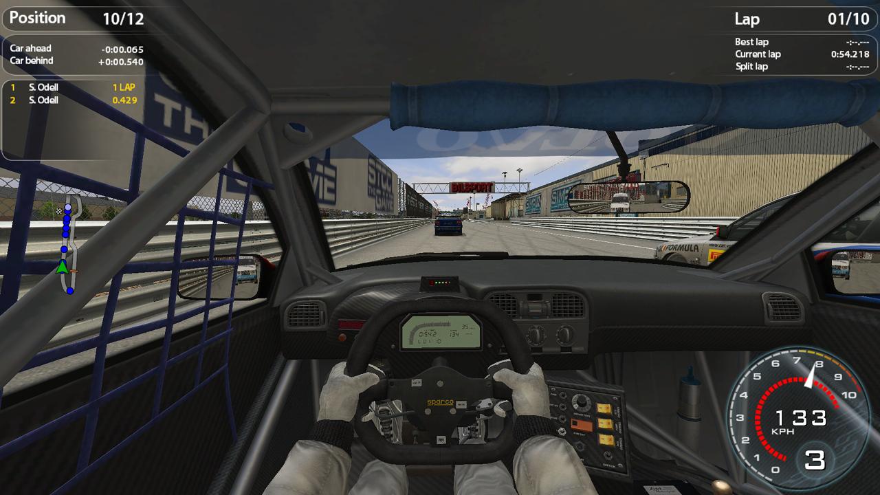 Volvo 240 Innenraum mit HUD-Elementen