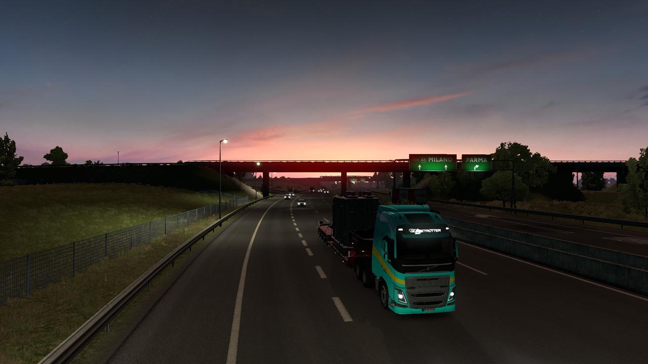 Autobahn im Sonnenaufgang vor Parma