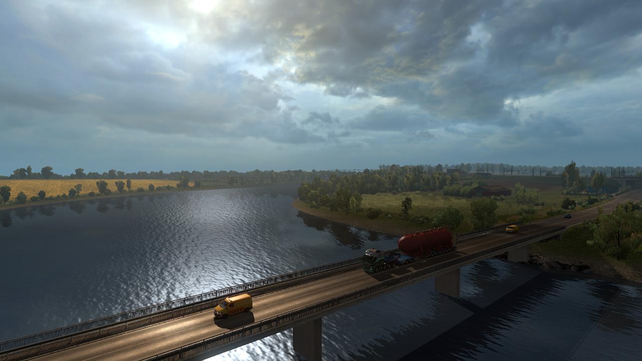 Schwerlast-LKW überfährt Brücke zwischen Esktortautos